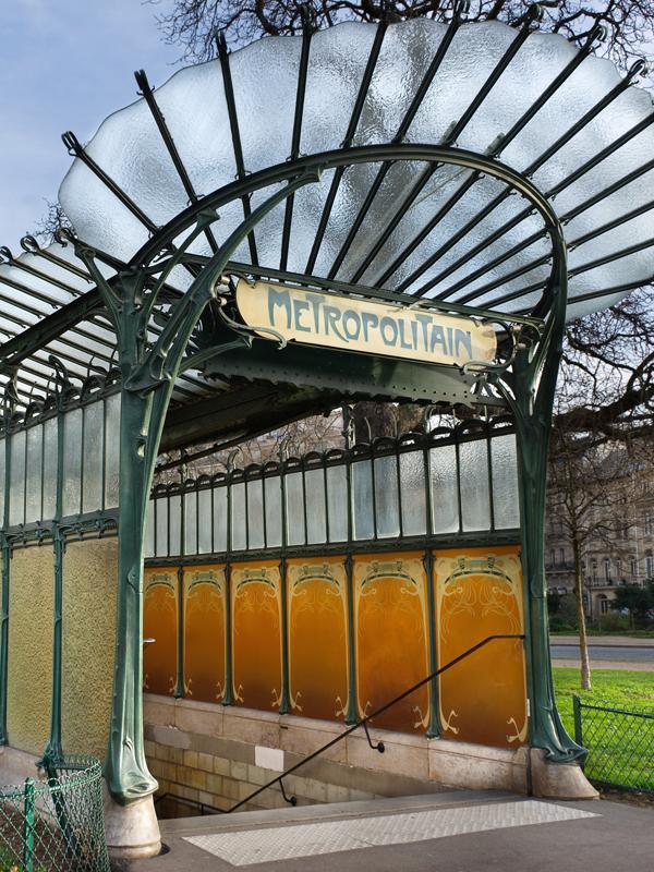 secesyjne wejście do stacji metra Dauphine w Paryżu | Imperium Wnętrz Kokotów 922