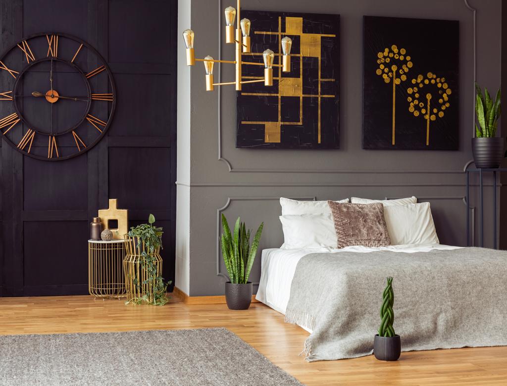 Wykończenie sypialni w czerni i złocie | Imperium Wnętrz Kokotów 922